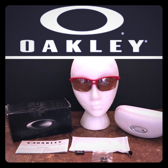 6674abf1a99 Ladies Oakley RPM Squared Sunglasses. M 5aa90fb63afbbd7badc7ce89